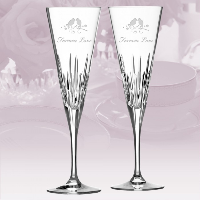 Flutes wine glass vera wang wedgwood duchesse toasting for Vera wang duchesse wine glasses